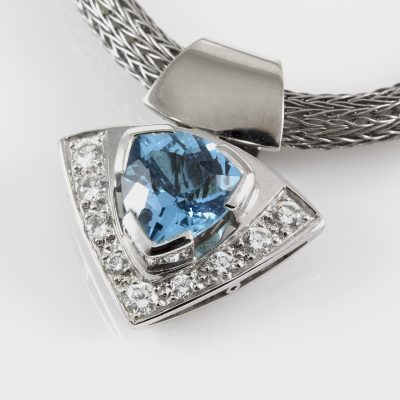 Pendant WG Topaz & Diamonds