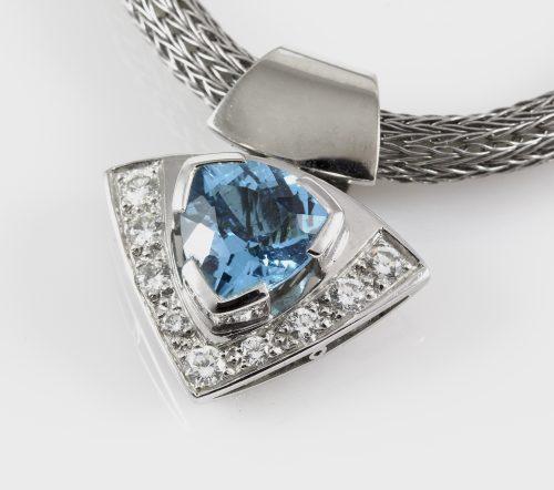 Pendant WG Topaz & Diamonds